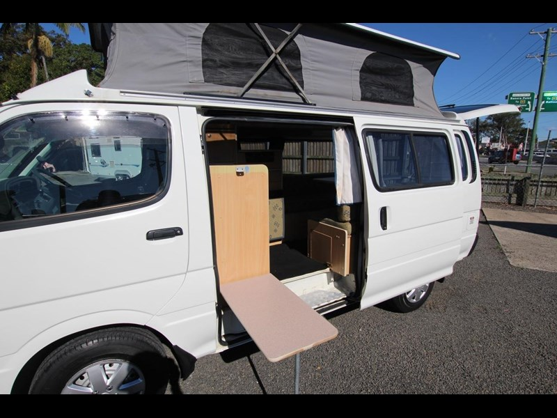 toyota hiace frontline twin bed 424222 007