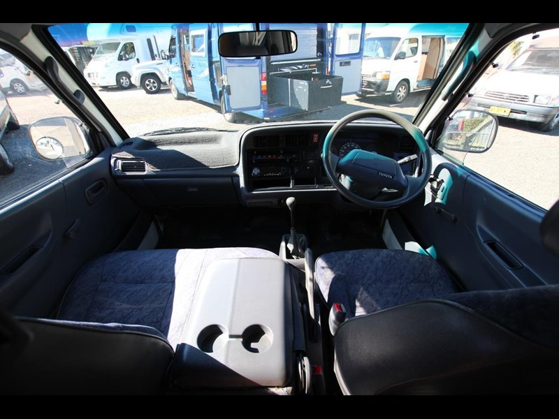toyota hiace frontline twin bed 424222 008