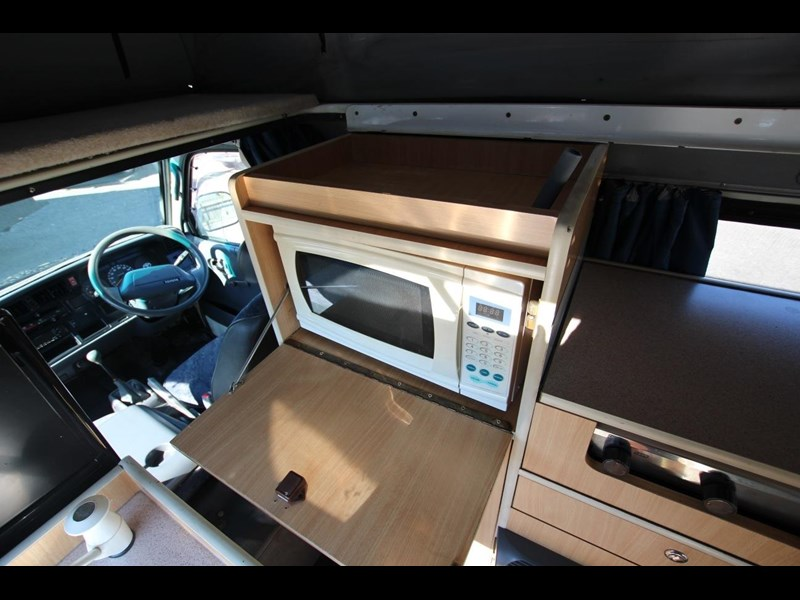 toyota hiace frontline twin bed 424222 012