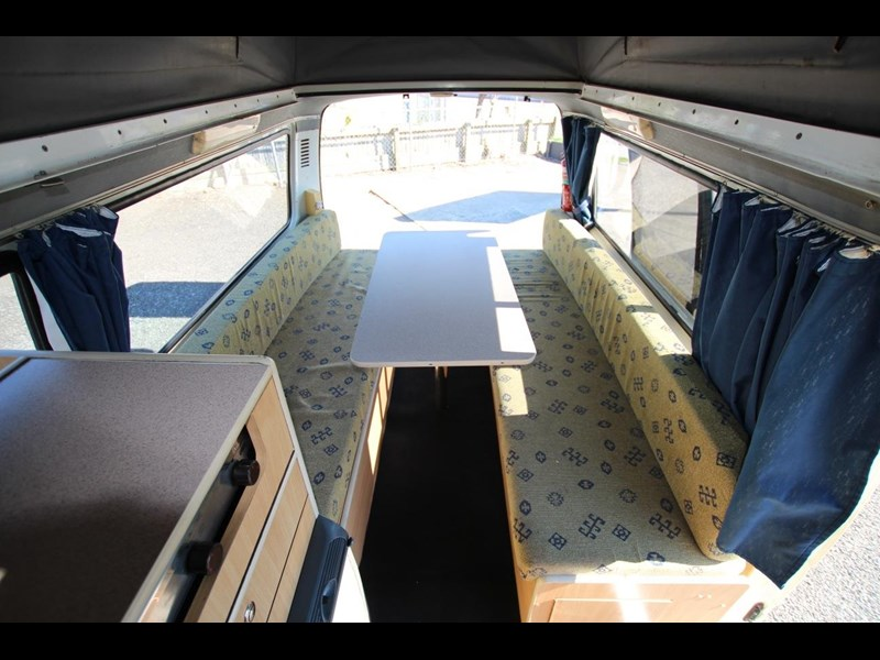 toyota hiace frontline twin bed 424222 014