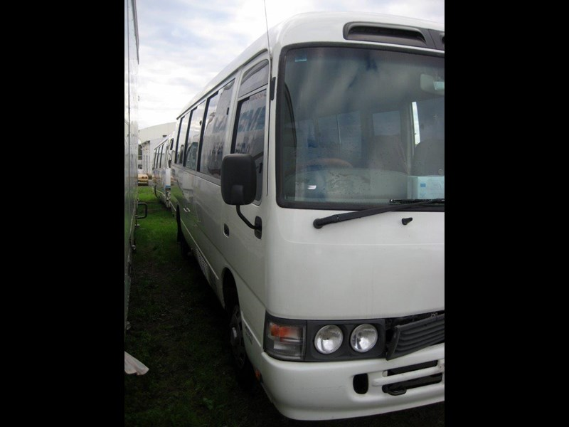 toyota coaster 50 series hzb50r - now wrecking!! 424360 019