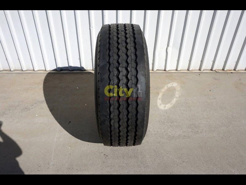 other 10/335 11.75x22.5 super single rim & tyre package 424869 007