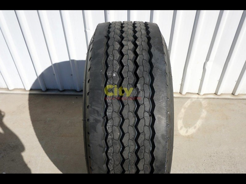 other 10/335 11.75x22.5 super single rim & tyre package 424869 009