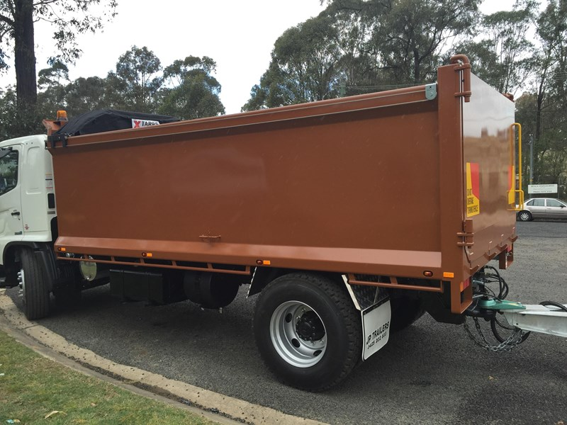 jp trailers galvanised mini tag trailer plus brown tipper 425289 065