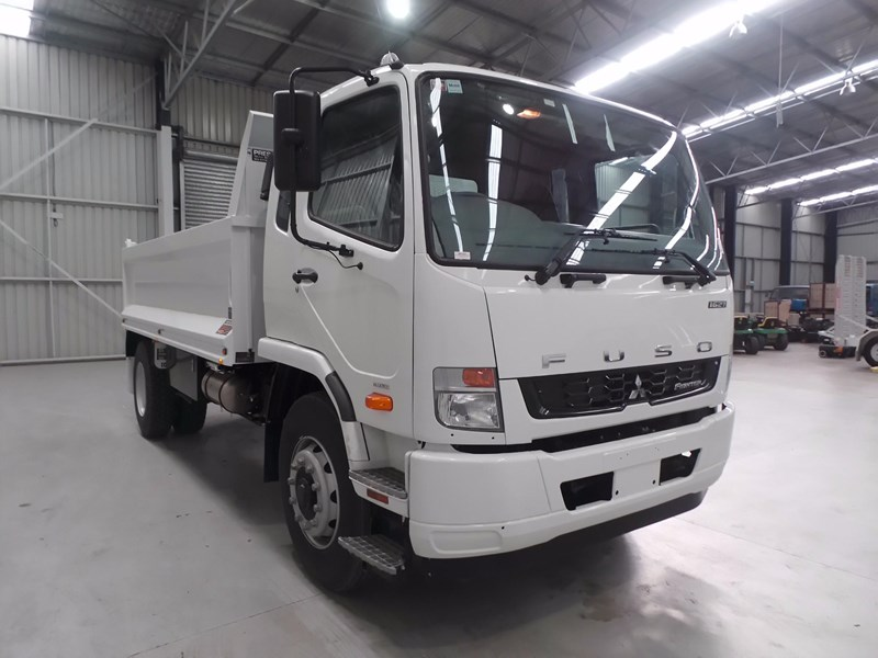 fuso fighter 1627 425766 011