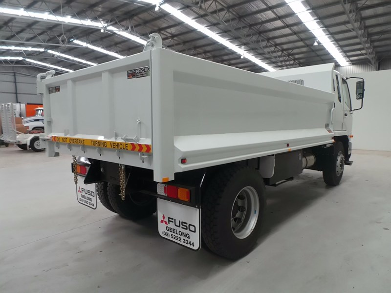 fuso fighter 1627 425766 009