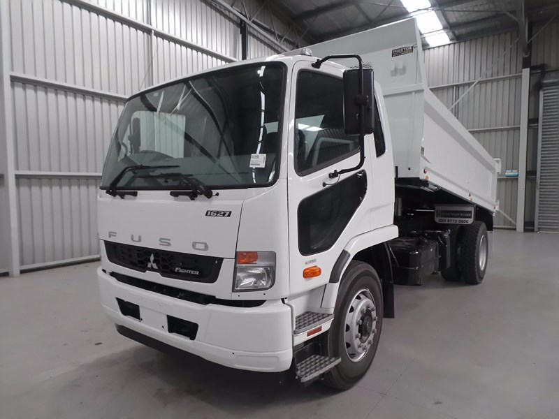 fuso fighter 1627 425766 015