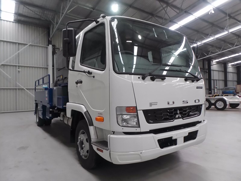 fuso fighter 1024 426328 013