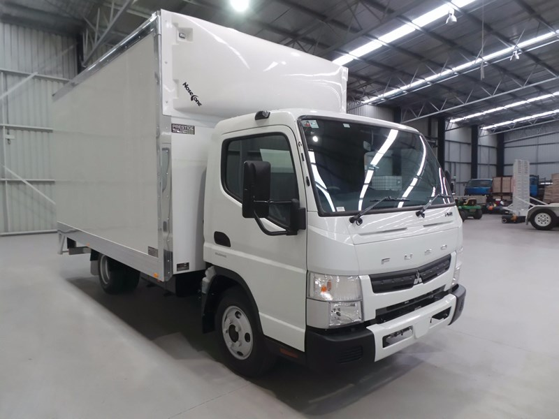fuso canter 615 426333 011