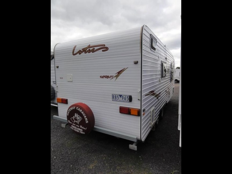 lotus caravans sprint 426724 003