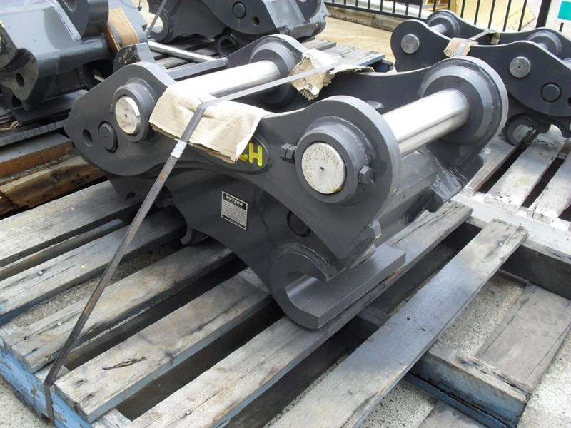 ubtech excavator hitch / hydraulic quick hitch [pp058] [suits 18 to 26t excavator] [uqc200] [attppitem] heavy duty. 236089 007