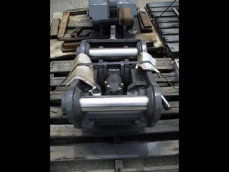 ubtech excavator hitch / hydraulic quick hitch [pp058] [suits 18 to 26t excavator] [uqc200] [attppitem] heavy duty. 236089 019
