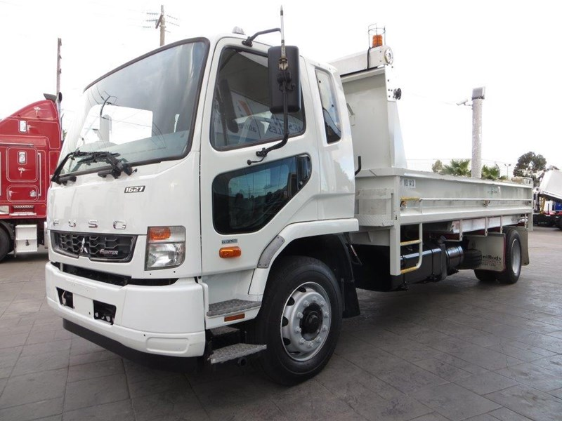 fuso fighter 427125 017