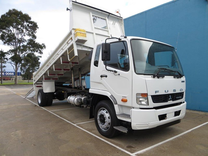 fuso fighter 427125 035