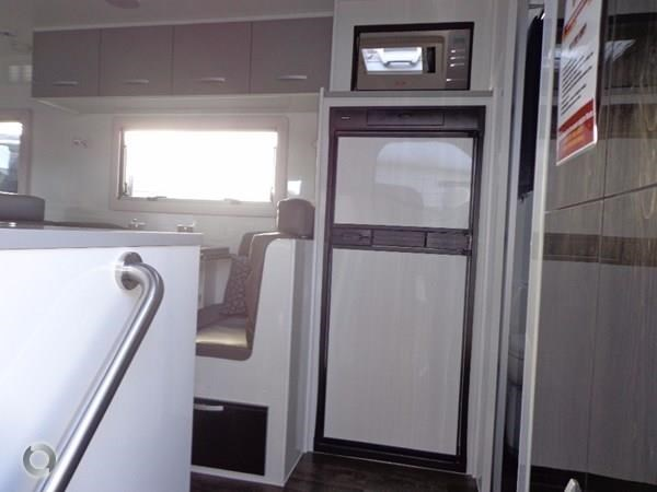 leader caravans gold 19 tandem ensuite independent suspension 427191 015