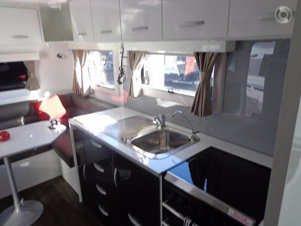 leader caravans palladium 23 ensuite slide out bedroom 427203 049