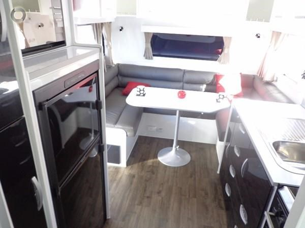 leader caravans palladium 23 ensuite slide out bedroom 427203 019