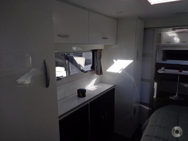 leader caravans palladium 23 ensuite slide out bedroom 427203 041