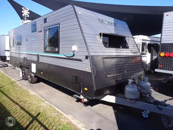 leader caravans palladium 24 centre ensuite club lounge 427209 009