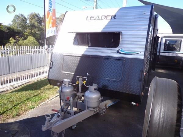 leader caravans palladium 24 centre ensuite club lounge 427209 005
