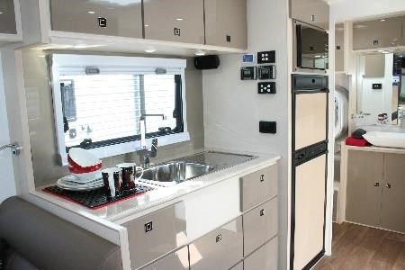 fortitude caravans entertainer 427682 015