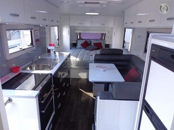 leader caravans gold 20'6 club lounge ensuite 427724 009
