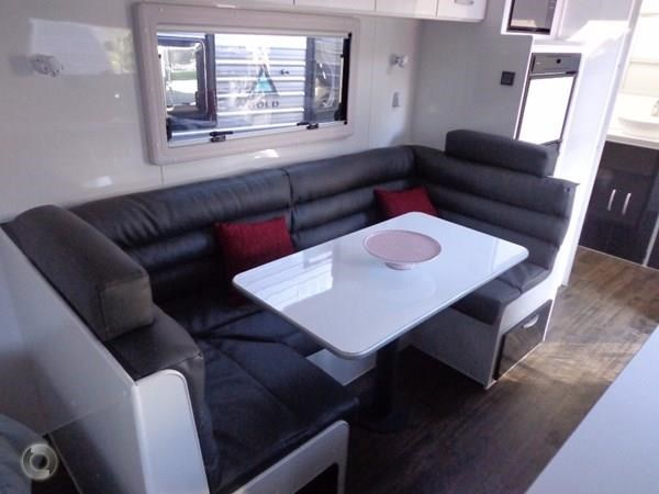 leader caravans gold 20'6 club lounge ensuite 427724 031