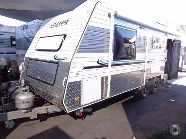 leader caravans gold 20'6 club lounge ensuite 427724 001