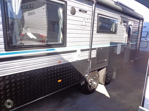 leader caravans palladium 22'6 ensuite east west bed club lounge 427725 007