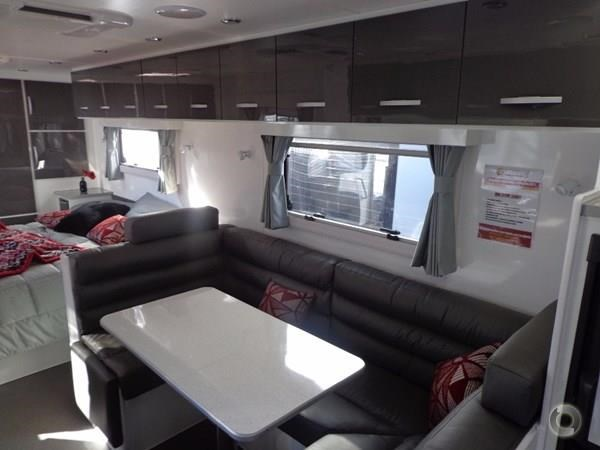 leader caravans palladium 22'6 ensuite east west bed club lounge 427725 017