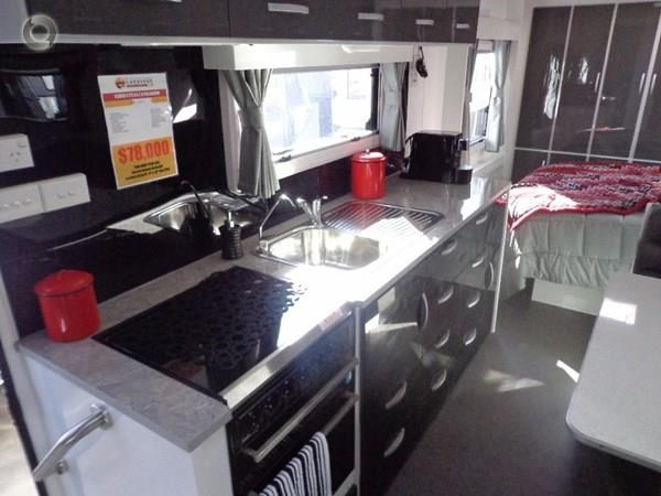leader caravans palladium 22'6 ensuite east west bed club lounge 427725 029