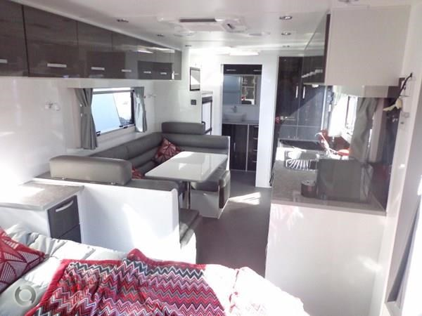 leader caravans palladium 22'6 ensuite east west bed club lounge 427725 031