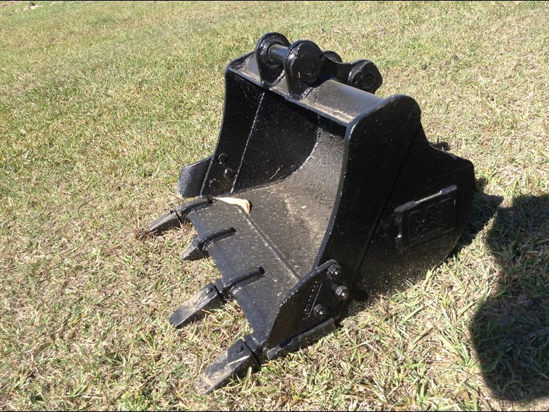 caterpillar gp bucket with teeth 427871 003
