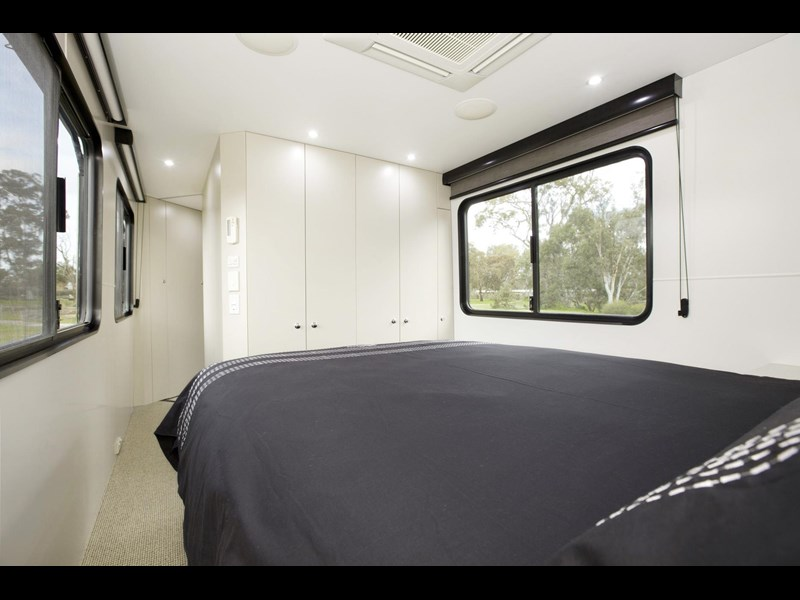man majestic motorhomes 'ultimate' 339370 019