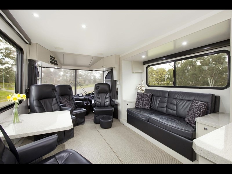 man majestic motorhomes 'ultimate' 339370 002