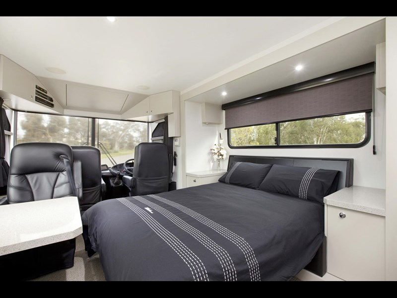 man majestic motorhomes 'ultimate' 339370 021
