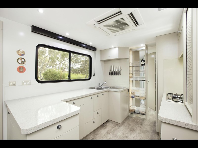 man majestic motorhomes 'ultimate' 339370 011