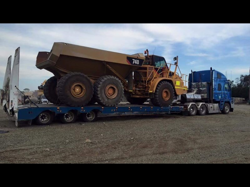 australian made transtech tri axle low loader 428730 001