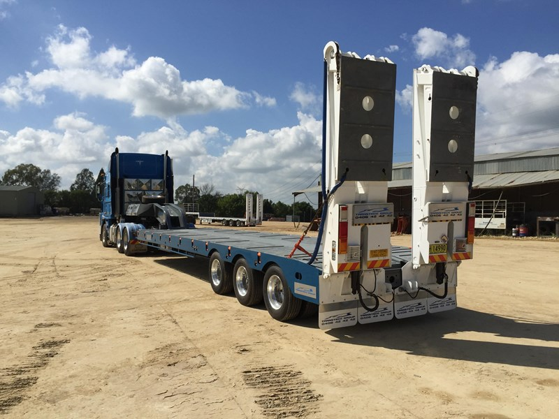 australian made transtech tri axle low loader 428730 002