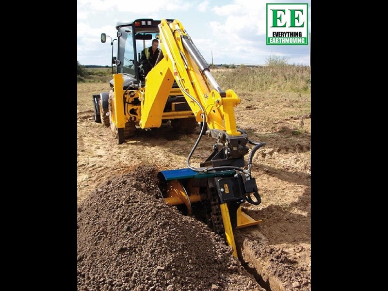 auger torque trenchers // excavators 5t to 10t, high flow skidsteer loaders and backhoes 429385 005
