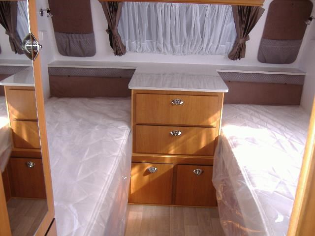 colorado caravans summit full ensuite, single beds 429575 007