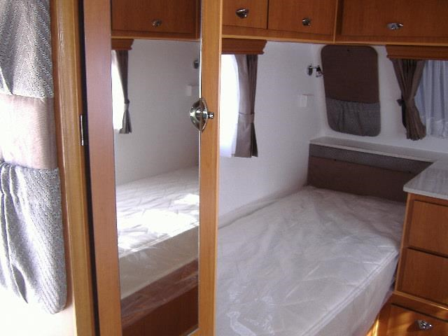 colorado caravans summit full ensuite, single beds 429575 025
