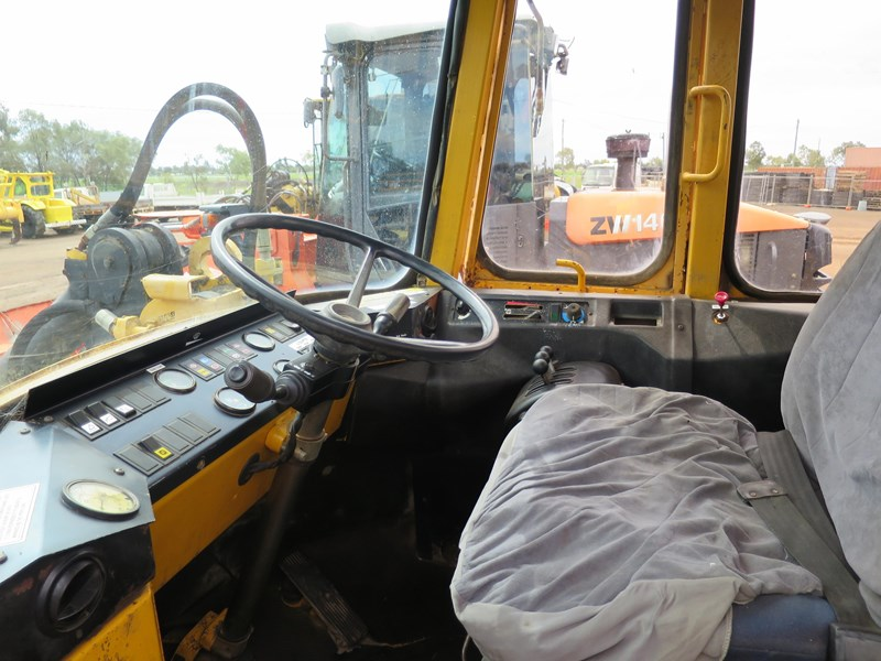 volvo l90 4wd wheel loader 424836 007
