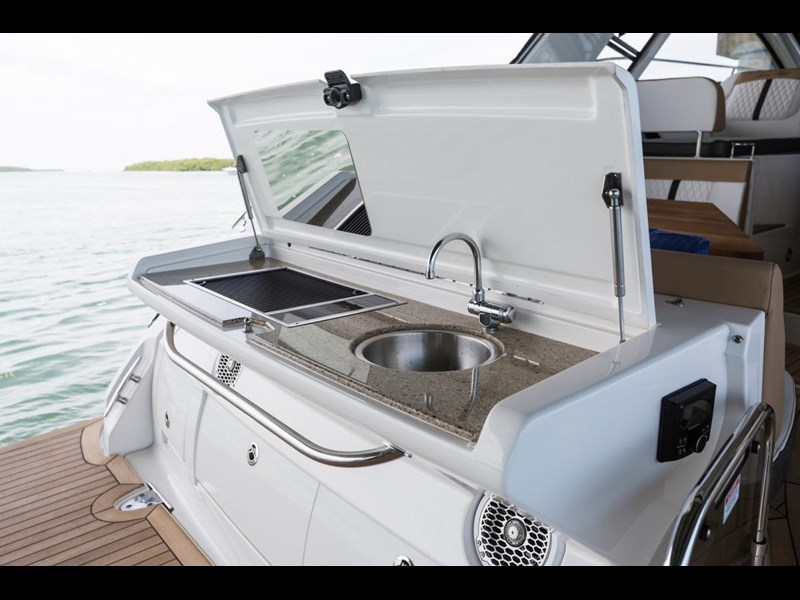 sea ray sundancer 350 coupe 429768 017