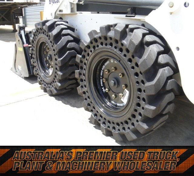 "workmate 12"" solid bobcat tyres 430579 001"