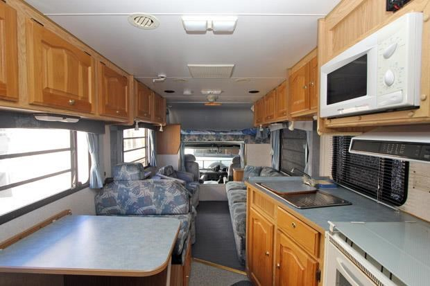 winnebago (avida) alpine 431004 005