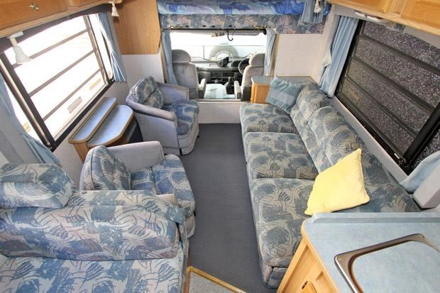 winnebago (avida) alpine 431004 011