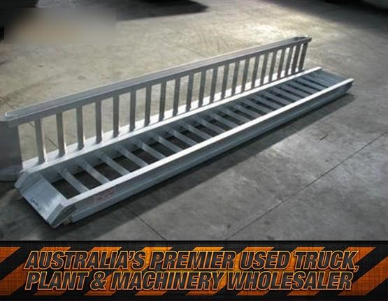 workmate 4 ton alloy loading ramps 431150 001