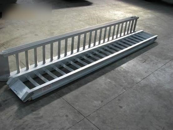 workmate 4 ton alloy loading ramps 431150 002