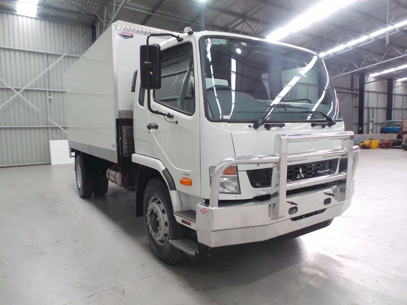 fuso fighter 1627 430853 006